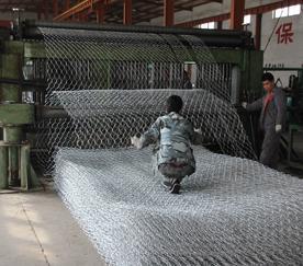 防洪格宾网护堤护脚、五绞合镀锌格宾网箱治理堤坡