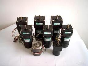 东方马达日本USM425-001W2U伺服电机