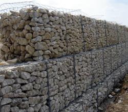 四川挡土墙铅丝笼成都挡土墙格宾网四川成都包塑铅丝石笼网