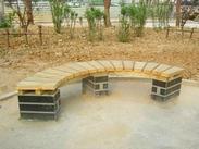 西安弯曲塑木弧形围树椅价格