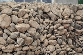 石笼网挡土墙的施工注意事项