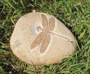 自然石蜻蜓雕刻GAB418