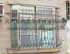 铁艺大门、铁艺扶手、铁艺窗护栏、铁艺外围栏、铁艺室内用品、铁艺日用品、铁艺户外用品