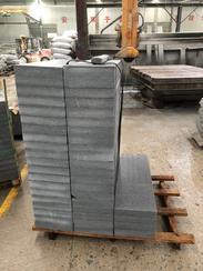 深圳路牙石厂家批发山东白麻-芝麻灰-黄金麻等石材的雕刻异型-弧形线条