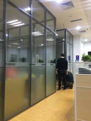 杭州钢化玻璃铝合金隔断 办公室装修高隔间