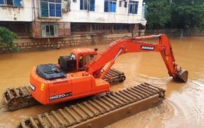 水陆挖掘机租赁 河道淤泥清淤厂家