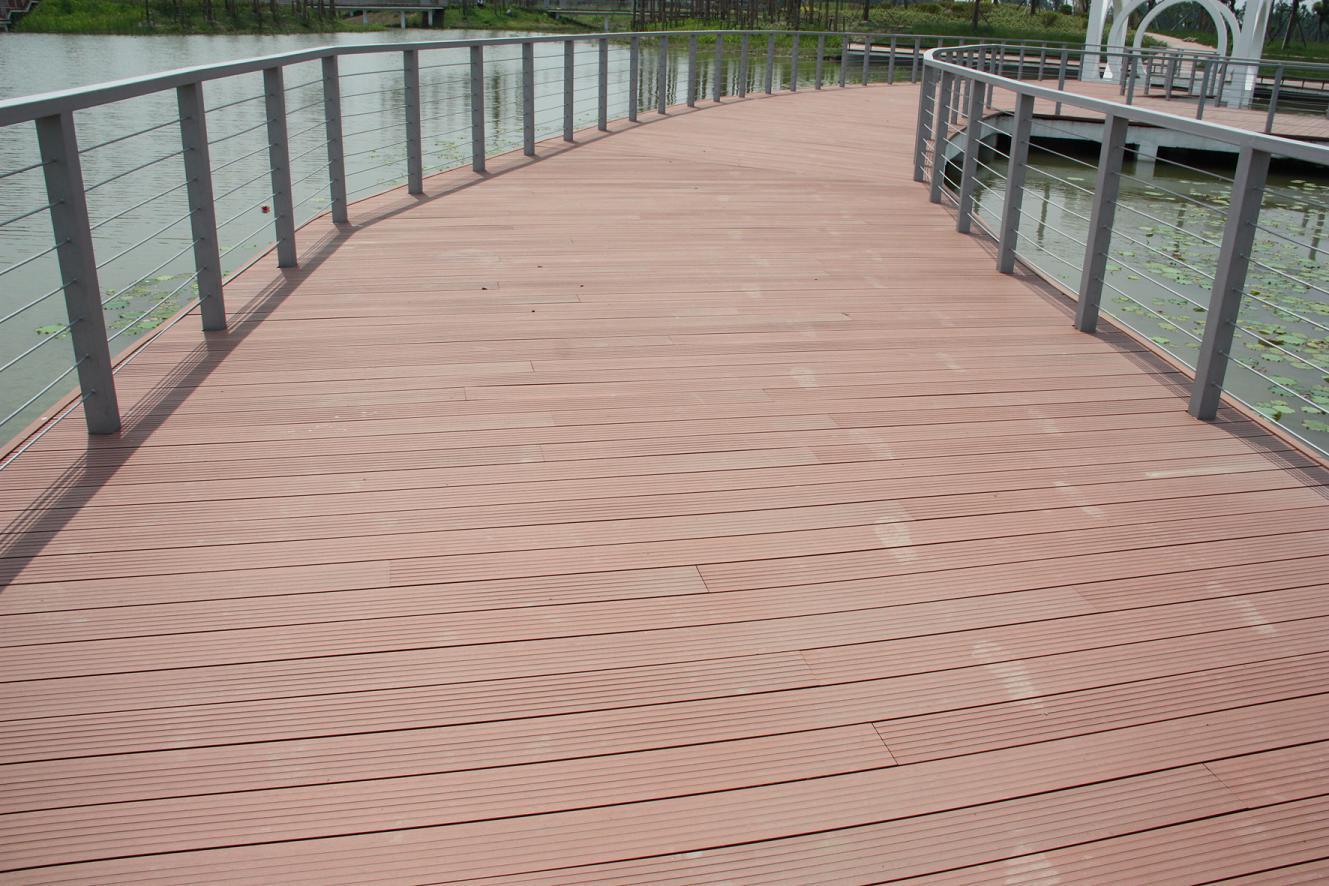 实木地板铺装工艺_户外塑木地板户外铺装防腐地板_CO土木在线