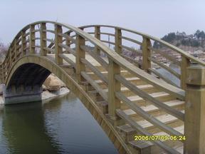 各种规格的防腐木材安装和销售