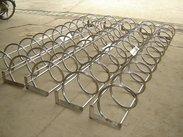不锈钢自行车架厂家,螺旋式单车停车架价格,自行车停车架