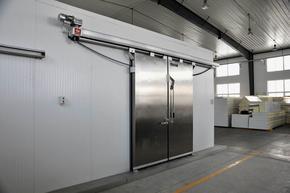 天津电动冷库门,肉类加工厂专用冷库保温门