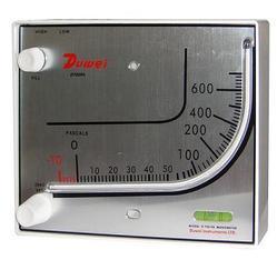 D700指针式差压计