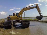 烟台沼泽挖掘机整机出售、出租,链条、浮箱出售18573609999