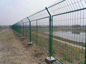 8203;框架焊接隔离栅 专注高速铁路高架桥工程护栏网