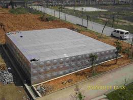 专业供应大型不锈钢焊接式水箱 生产厂家