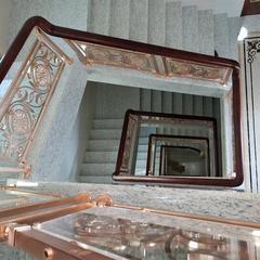 业主们都爱装饰的铜楼梯弧形护栏,你确定不来看看吗?