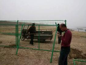 铁丝防护围栏网A湖北铁丝防护围栏网A金属防护围栏网产地