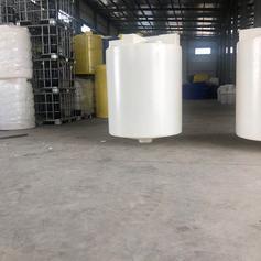 厂家直销滚塑2000L锥形加药箱 圆形锥底搅拌桶