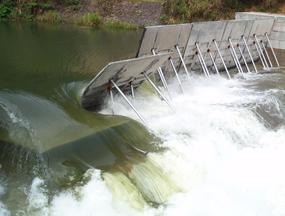 彩色弧形液压坝 淘汰落后的 钢坝闸 水闸 闸门 橡胶坝