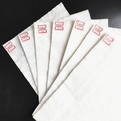 江西南昌涤纶短纤国标绿白色环保防尘长丝土工布工程布道路养护坡厂家直销