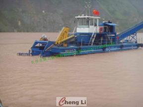 水面垃圾清洁船