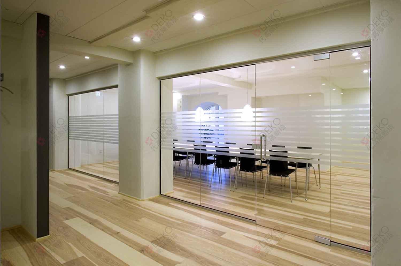 丹麦代高玻璃隔断、办公隔断-FG