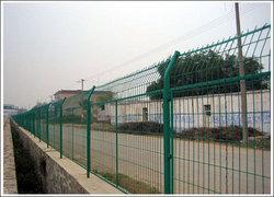 供应高速公路护栏网交通护栏网框架护栏网