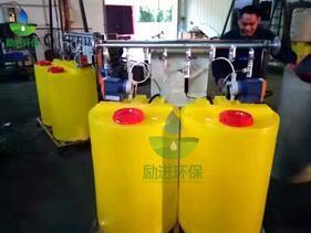 全自动循环水加药装置工作原理