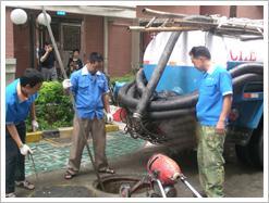 深圳大冲疏通管道厕所地漏化粪池吸粪抽粪清理20090309