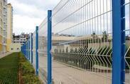 厂家直销三角折弯护栏网 高速公路护栏 小区护栏 隔离栅