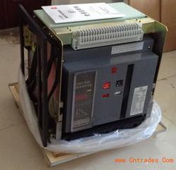 人民智能断路器RMW1-3200/3P  3200A