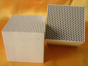 高铝质蜂窝蓄热体