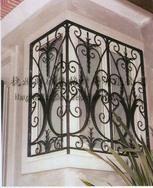 铁艺门、铁艺扶手、铁艺窗护栏、铁艺外围栏、铁艺室内用品、铁艺日用品、铁艺户外用品