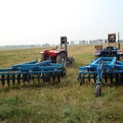 农用土地耕整圆盘犁 双向圆盘耙 大托带的圆盘犁
