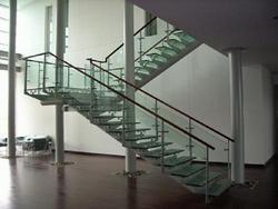 河北恒泰楼梯供应玻璃楼梯