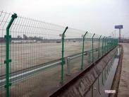 双边丝护栏网 铁路护栏网 封闭网河北兴洲护栏网厂直销