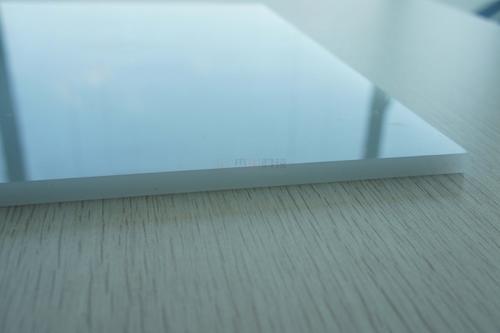 PC乳白板